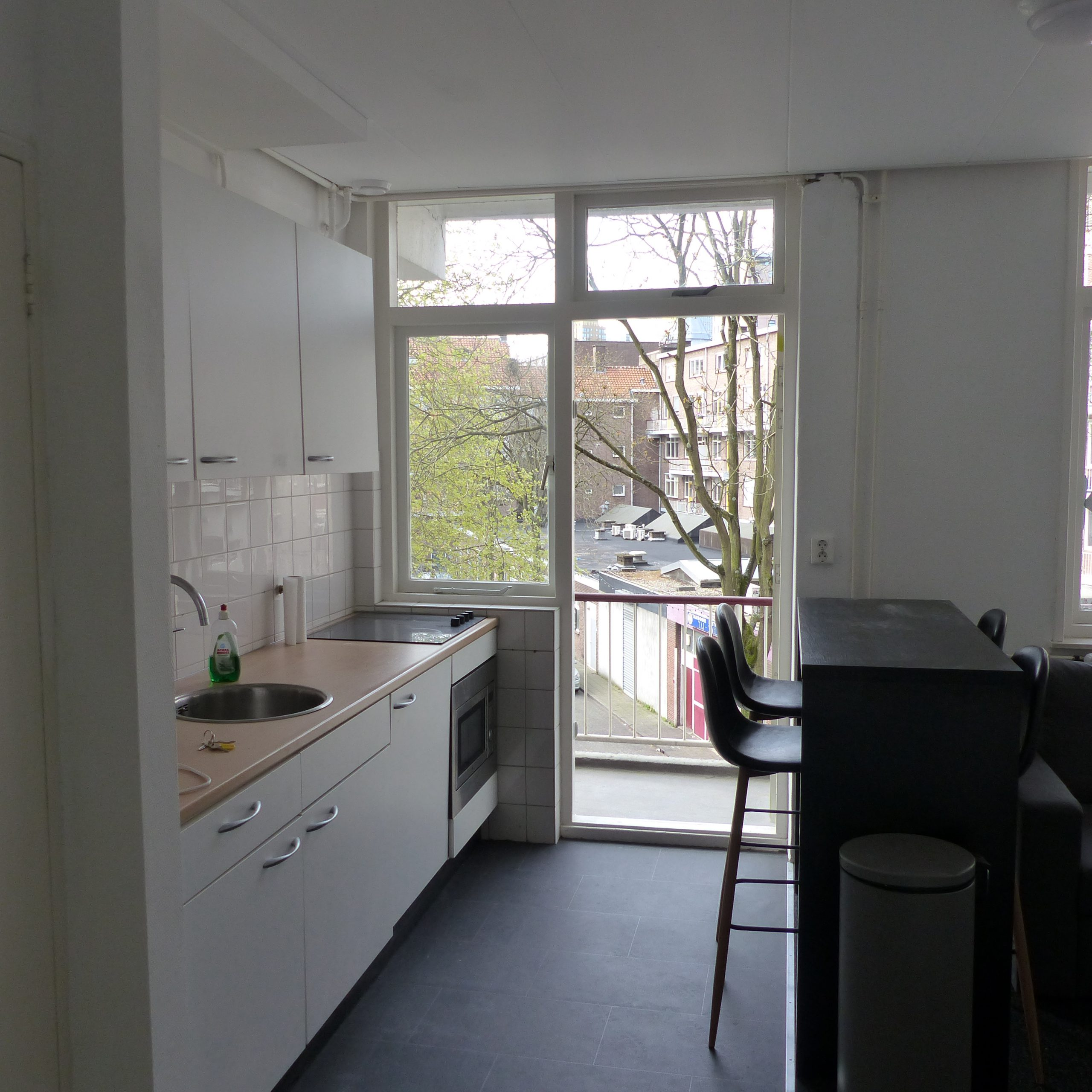 3 furnished student rooms